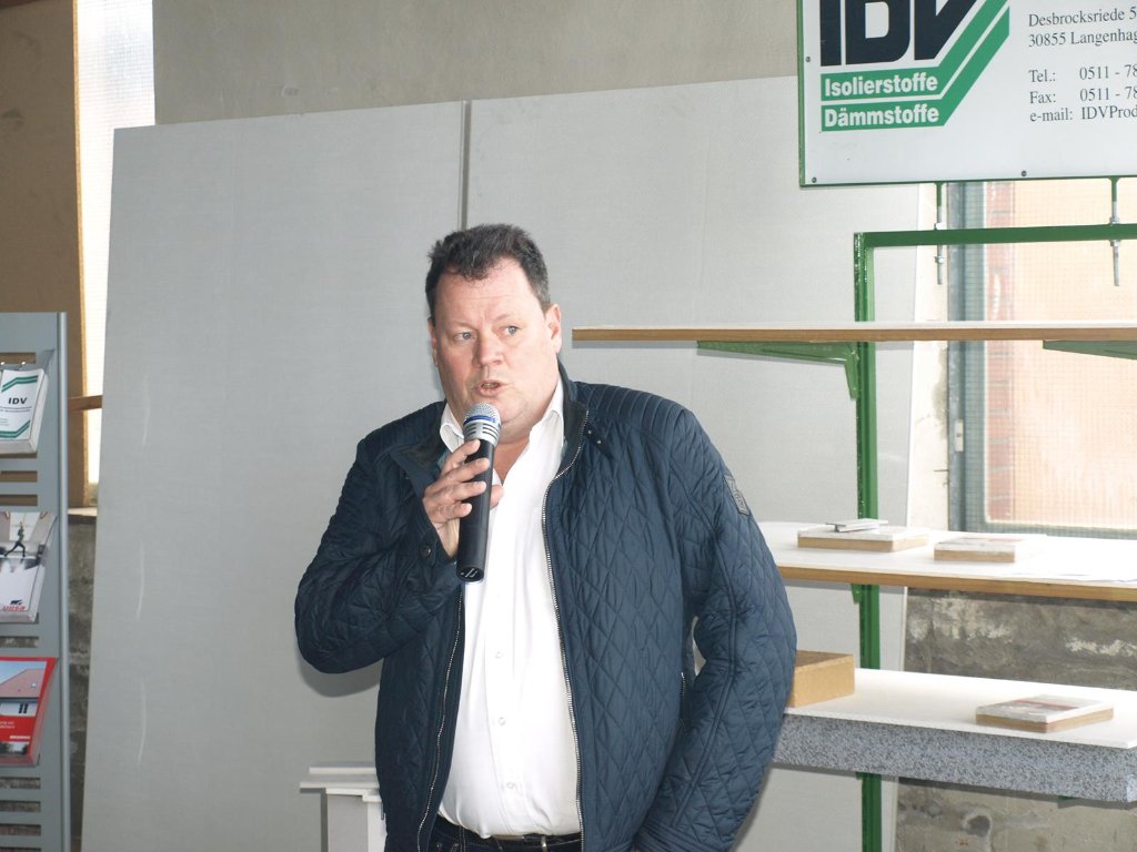 GF Frank Bodnariuk begruesst die Gaeste