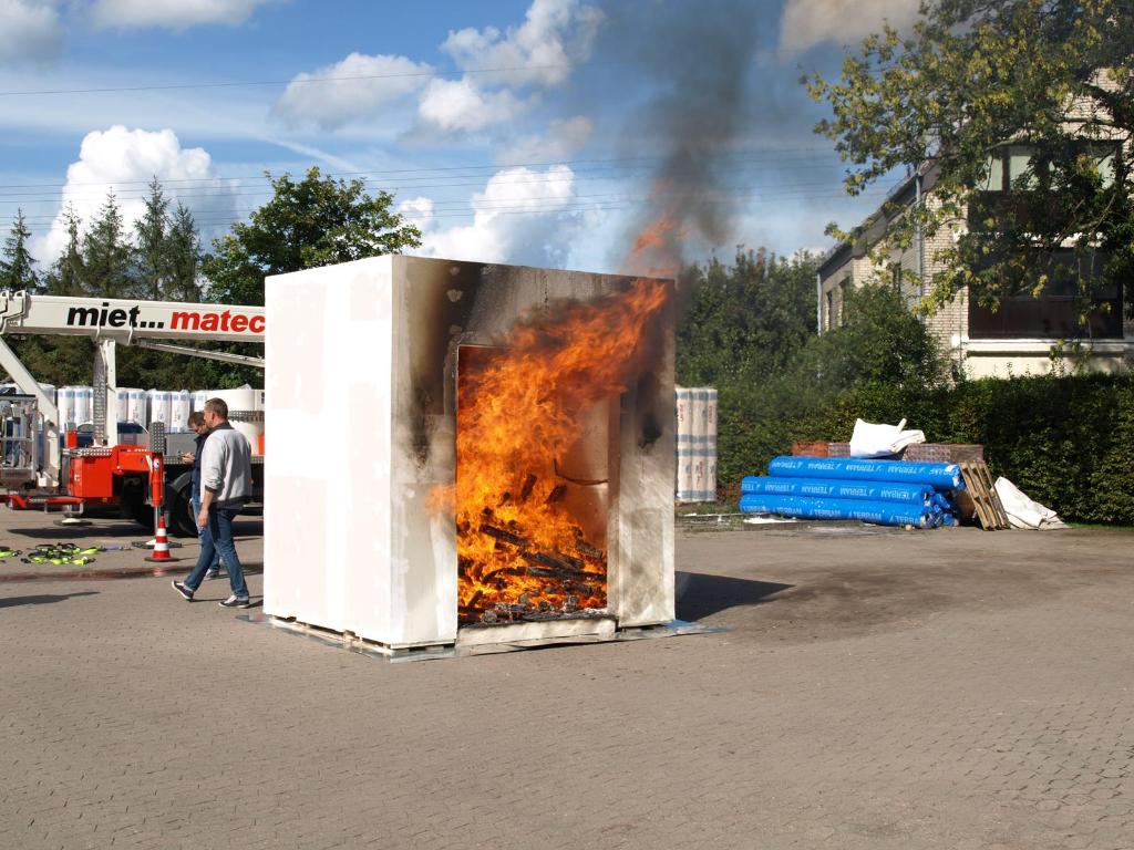 Langenhagen-in-Flammen-der-Brandtest